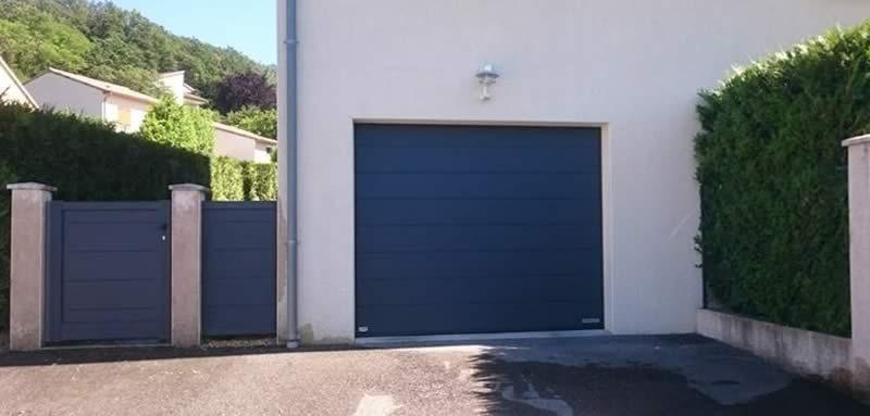 Portillon-barriere-alu-et-porte-de-garage
